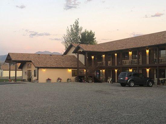 Fan Mountain Inn