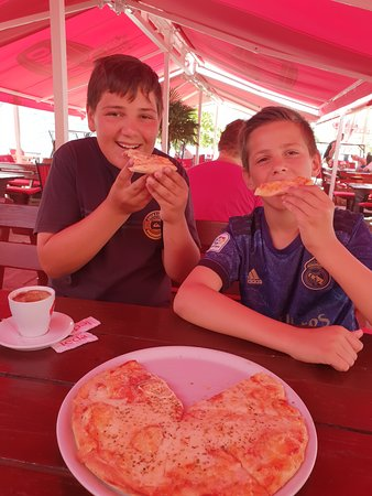 My kids loved the pizzas here and had them every day. They loved the pancakes and home made icecream too. Thank you Restoran Jopi