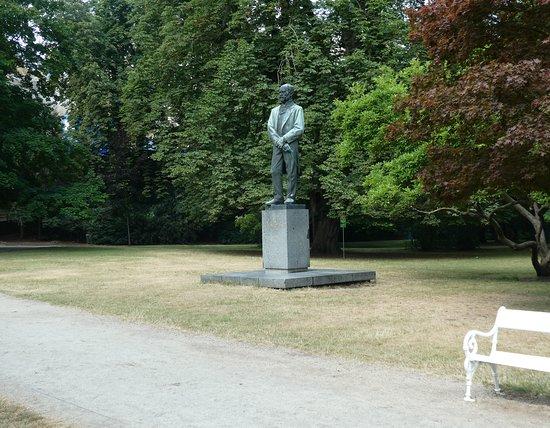 Pomník Antonína Dvořáka