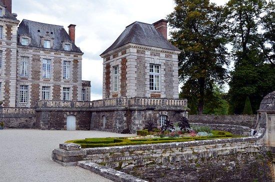 Balleroy, Prancis: Sur le côté