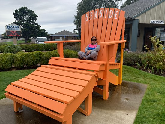 Cannon Beach Visitor Center