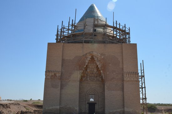 Sultan Tekesh Mausoleum : esterno