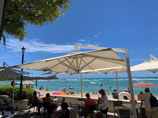 Beach Bar At The Moana Surfrider