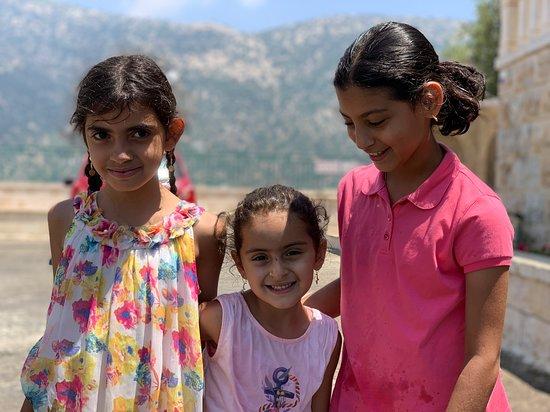 Niha, Liban: باحة مقام النبي ايوب