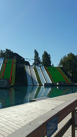 Ảnh về DROP IN Water Jump Parc