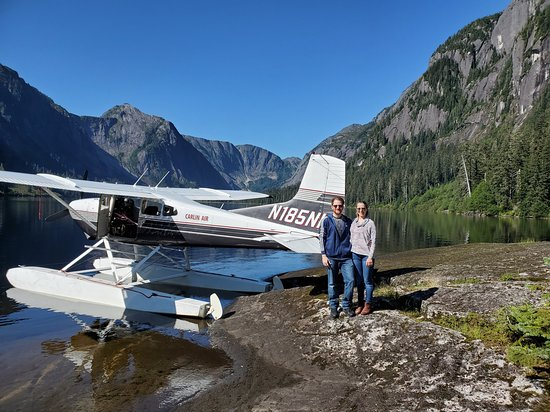 Majestätische Misty Fjords Wasserflugzeug Tour: A quick photo with the plane we flew on