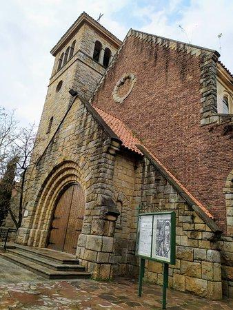Frente de la iglesia.