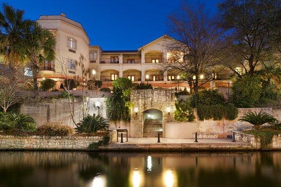 Hotel Indigo San Antonio Riverwalk 103 ̶1̶4̶4̶
