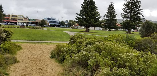 The walking path from the beach back to Apollo Bay park, near the Great Ocean Walk sculpture.