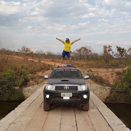 Fortaleza do Tabocao, TO: Ponte do Rio vermelho águas límpidas e potável cidade lagoa do Tocantins parada obrigatória para refrescar no calor do tocá e uma bela foto de recordação onde vc sempre vai morrer de vontade de voltar no lindo jalapao.