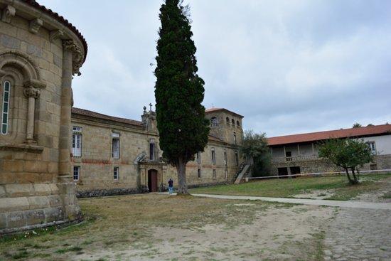 Ferreira de Panton, Spania: Entrada al monasterio