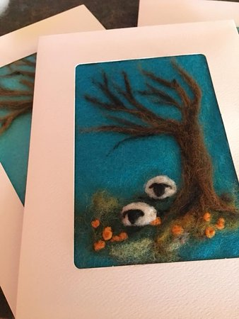 Workshops at Messy Crow Studio are a fun way to spend an afternoon or evening - learn the basics of needle felting with wool, create your own greeting card, bookmark or framed piece of art