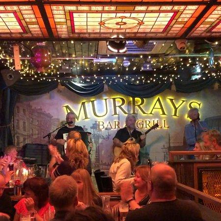 Murray's Bar: live band every night!