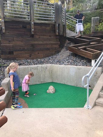 Holy Terror Mini Golf: Putt