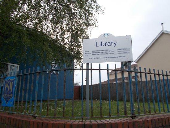 Brynhyfryd Library
