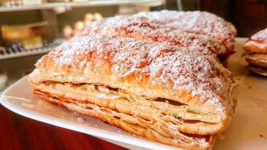 Mey's Bakery: Mil Hojas