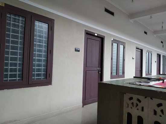 Kozhikode District, India: Vikas tourist home narikuni provide clean and neet rooms for monthly dayliy rentel in budget price