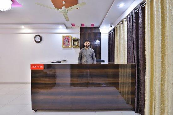Pictures of OYO 28270 Maahi Palace - Ahmedabad Photos