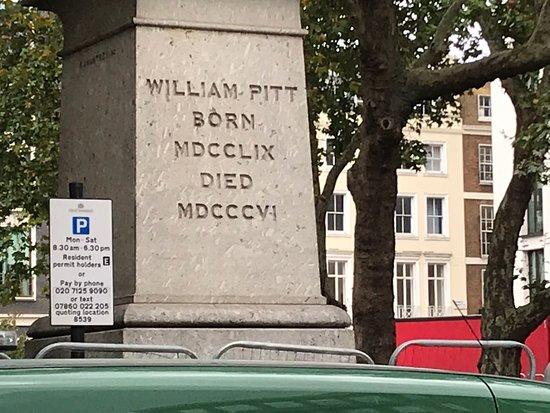 William Pitt Statue in Hannover Square