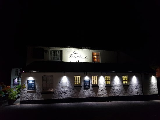 New floodlights at the Ferryboat Inn