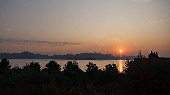 Janjina, Hrvatska: vista dalla camera all'alba