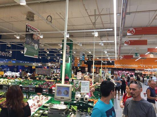 Auchan Santa Gilla