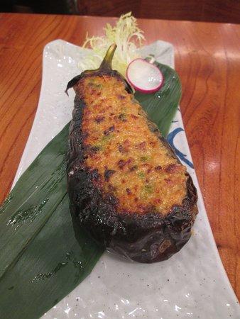 田樂麵豉烤茄子拌着以麵豉醬肉碎同吃,挺美味