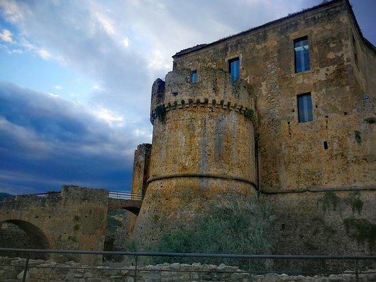 Rocca Imperiale ภาพถ่าย