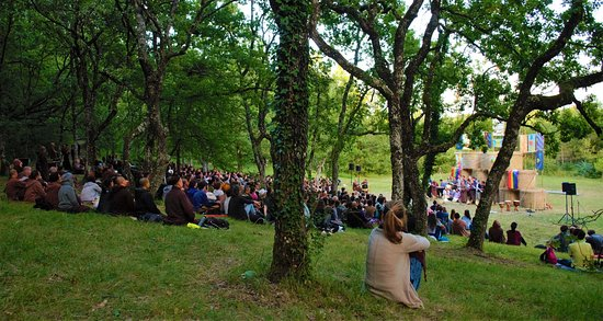Thenac, Frankrike: Assembly for Wake up Earth Retreat Festival 15 August 2019
