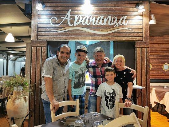 A Paranza: A. I i turisti
