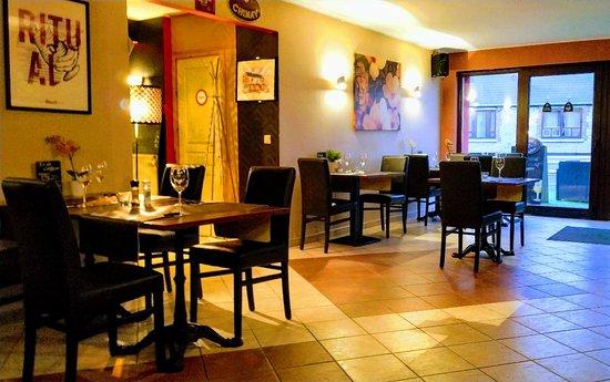 Hastiere-Lavaux, Belgia: Le Select