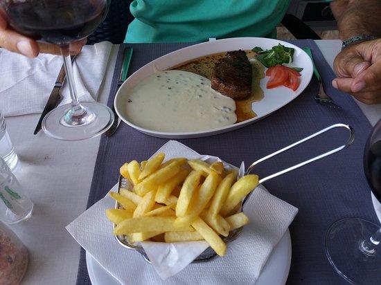 Stomorska, Kroatia: Steak with green pepper cream sauce!