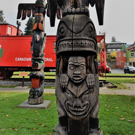 Cowichan Valley Regional District, Canada: totems