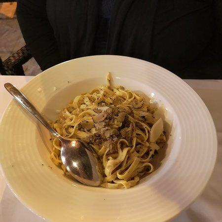 Lovrecica, โครเอเชีย: Hatte ich noch vergessen, Trüffelnudeln und Mix Grill für eine Person