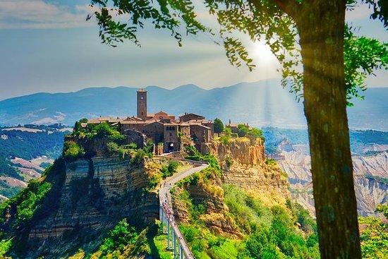 Civita di BagnoregioとOrvieto - ローマからのプライ…