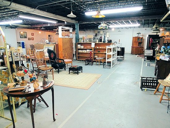 Westmoreland Antiques & Collectibles