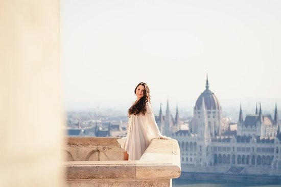 Private Vacation Photography Session with Photographer in Budapest