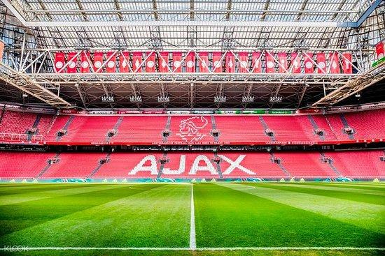 AFC Ajax v Valencia CF - Hospitalidad...