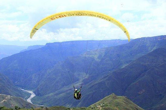 paragliding i chicamocha canyon