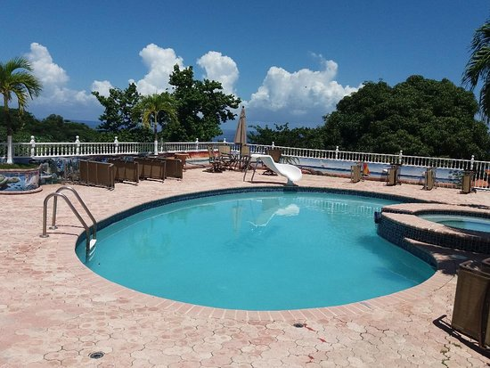 Tropical Lagoon Resort, hoteles en Kingston