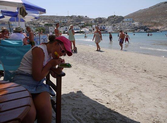 Krásná pláž Avlakia na ostrově Pserimos v Egejském moři