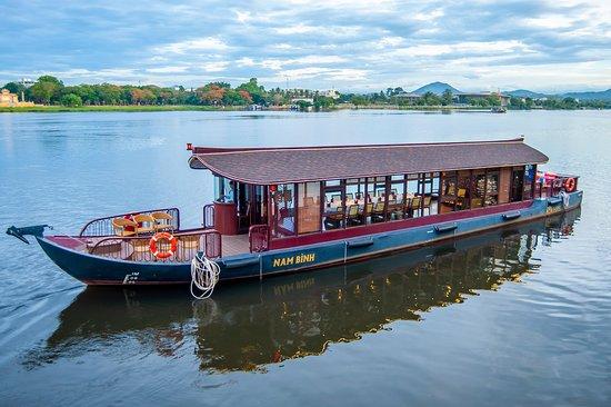Huong River Cruise - Du Thuyền Sông Hương HRS