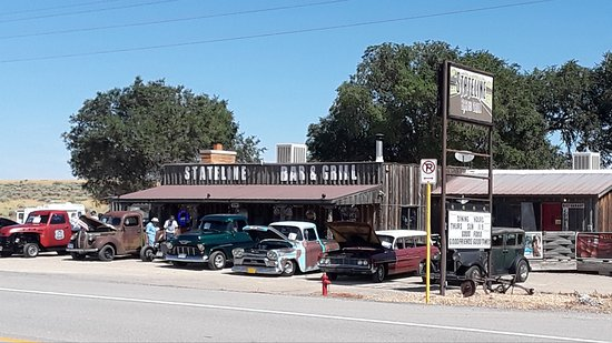 Dove Creek, Колорадо: The old car show at the Stateline Bar and Grill
