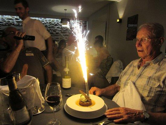 Saint-Ybard, Frankrike: Un convive bien surpris !!!