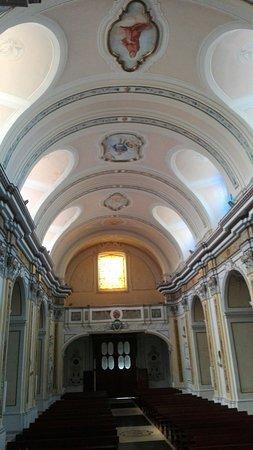 Concattedrale di Santa Maria Assunta: Interni e facciata