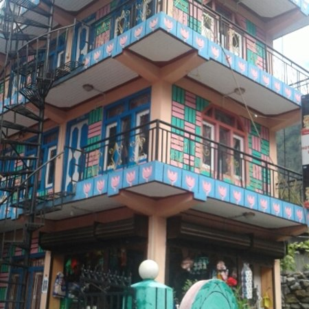 Jagat, Nepal: Our facilites  Delicious fresh food. Comfortable bedrooms. Clean toilet with atached bathroom . 24 Hrs solar hot shower. Friendly environment.