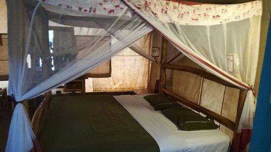 Dentro la tenda al Tsavo Est