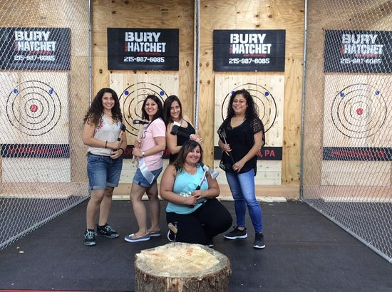 Bury the Hatchet Horsham - Axe Throwing