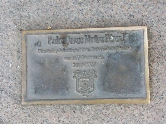 Monumento al Padre Cosme Munoz Perez