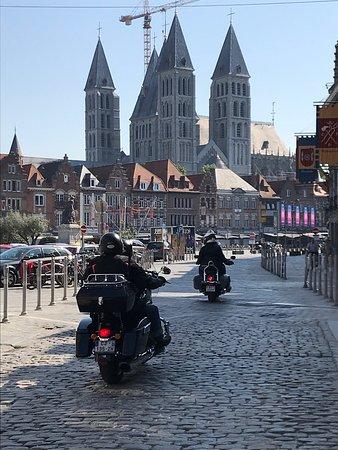 La Cathédrale vue de la rue des Maux